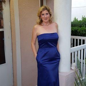 Sleek stunning Talbots gown